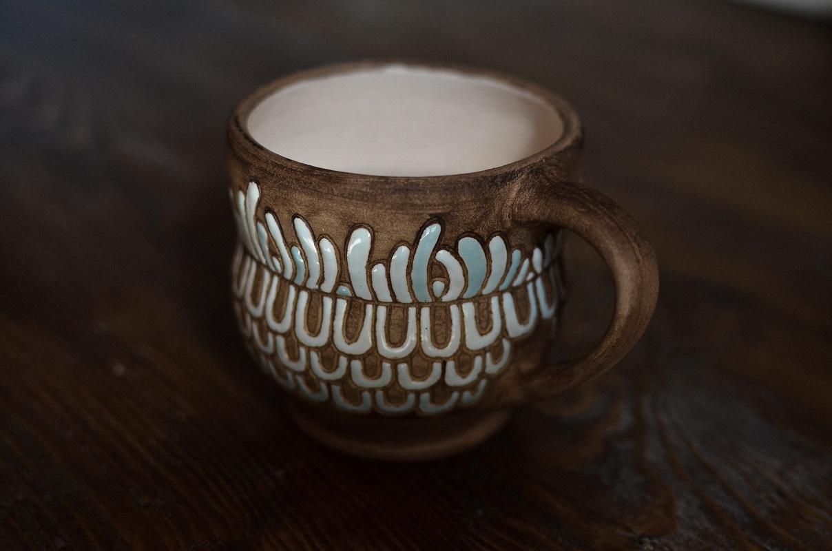 """Чашка """"Et Cetera"""", інший фон та освітлення, дещо повернута"""